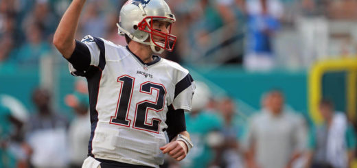 Tom Brady si presenta da MVP ai playoff